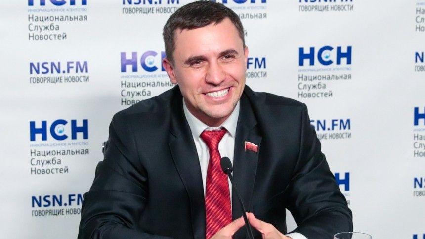 Оставил 100 тысяч: в сети обсуждают кутеж депутата-коммуниста Бондаренко