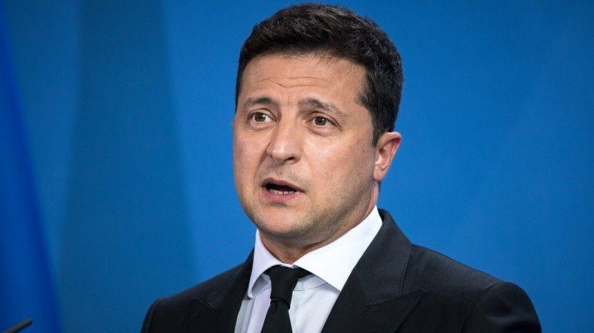 Помнению Алексея Мартынова, американские кураторы приняли решение озамене украинского президента.