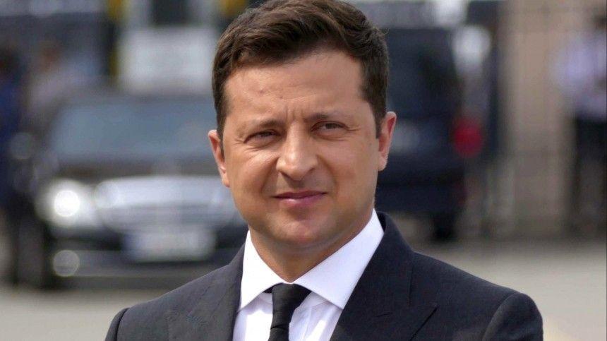 Немецкий эксперт Владимир Сергиенко уверен: скоро президент Украины будет молить оботставке. Чемже грозят ему зарубежные партнеры?