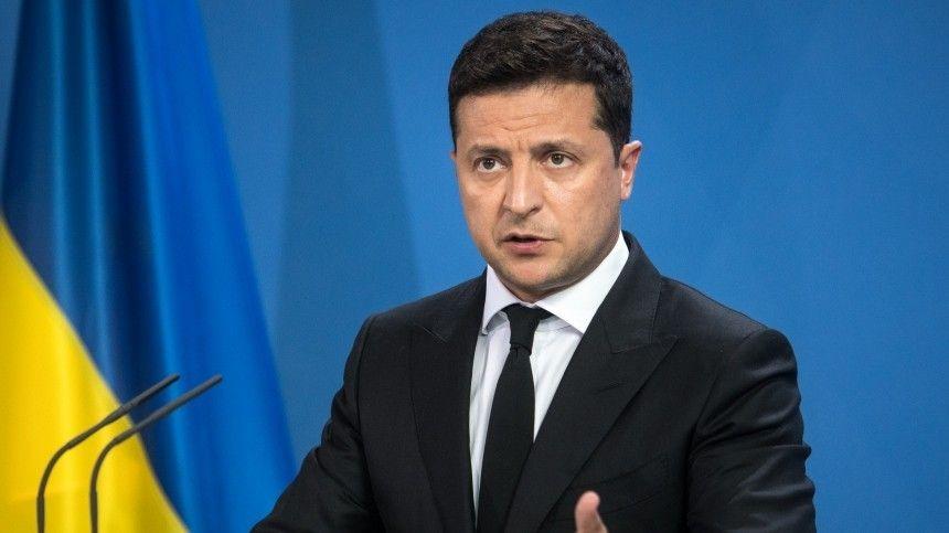 НаУкраине считают, что Меркель иБайден разработали план поотстранению президента Незалежной отвласти.