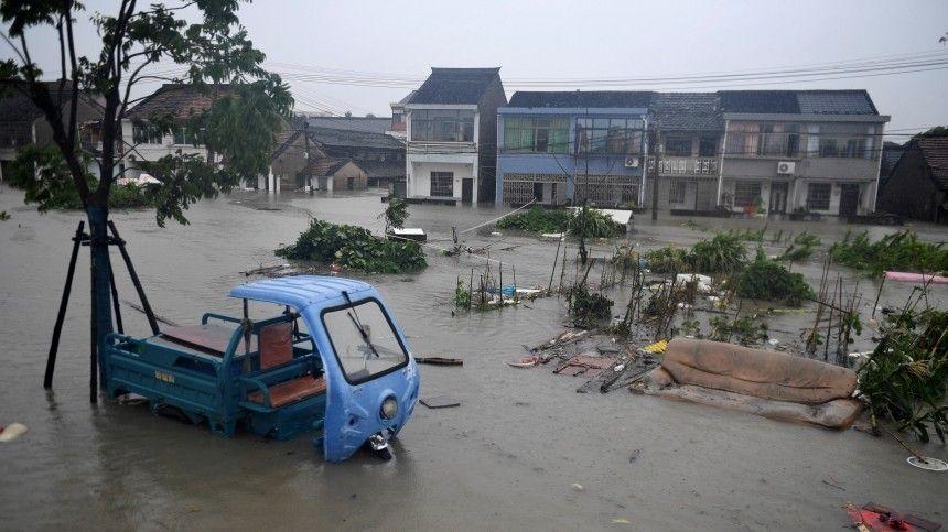 Из-за мощного потопа свои дома были вынуждены покинуть сотни жителей Бельгии. Аналогичная ситуация сложилась вШвейцарии.