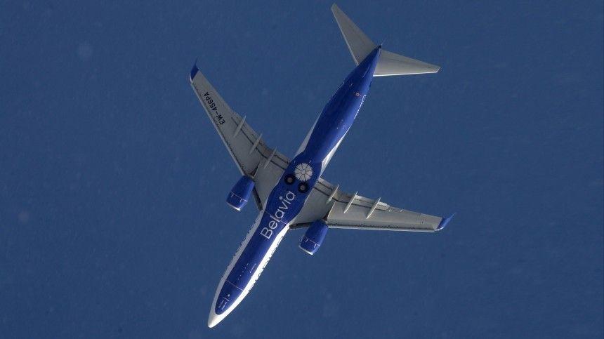 Пассажирский лайнер направлялся изМинска вАнталию. Предполагается, что теперь онсовершит вынужденную посадку.