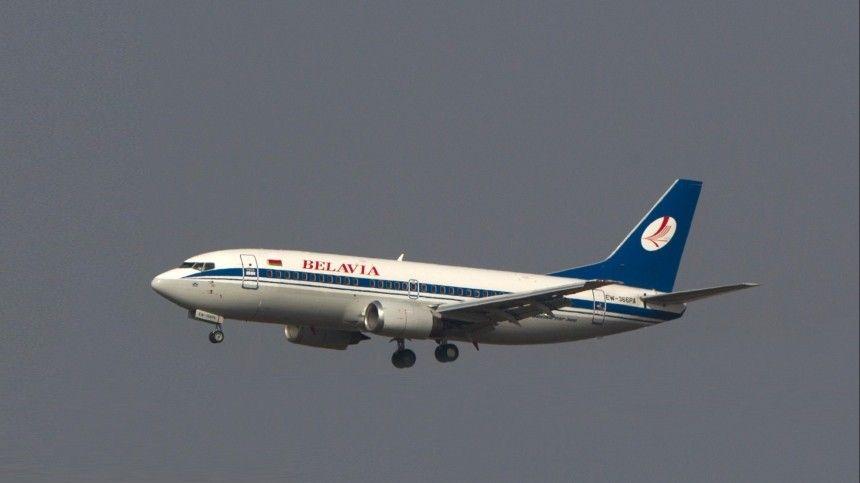 Самолет направлялся изМинска вАнталию, когда экипаж сообщил онеполадках сдвигателем.