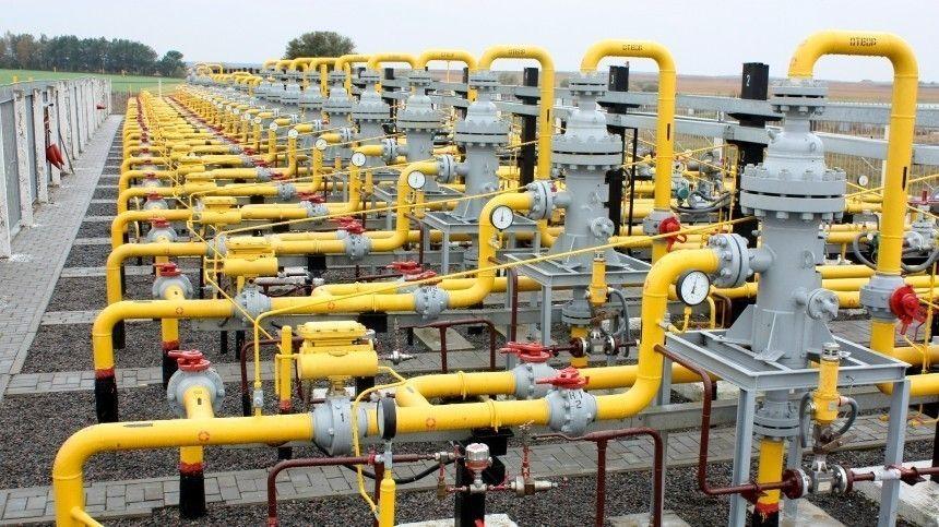 Виюне президент РФВладимир Путин подписал закон споправками фракции «Единой России» обесплатном доведении газа дограниц домовладений граждан.