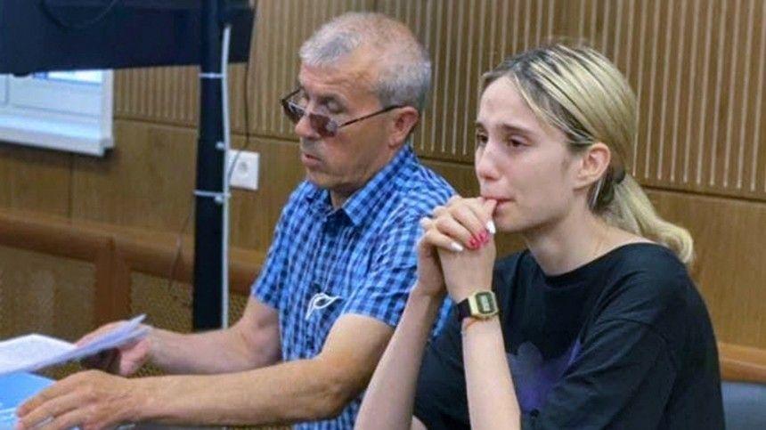 Сокамерница Валерии Башкировой утверждает, что девушка навсе вопросы отвечает одной фразой: «Янезнаю, как жить после этого».