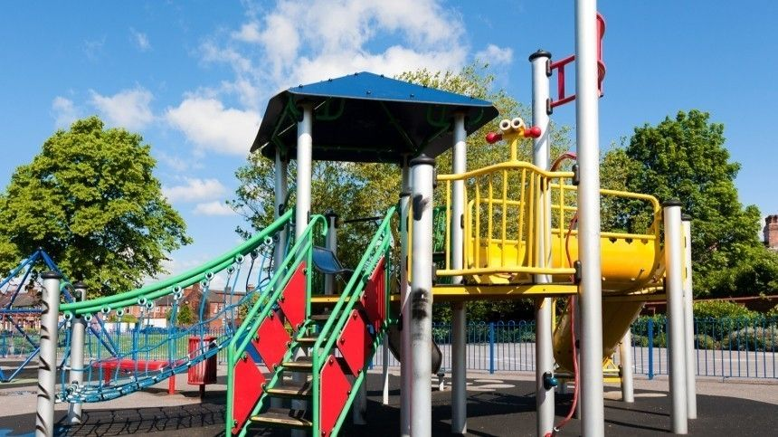 Жительница Красносельского района Северной столицы заявила, что особенные дети пугают еедочку идолжны гулять наспециальных площадках с«карантином».