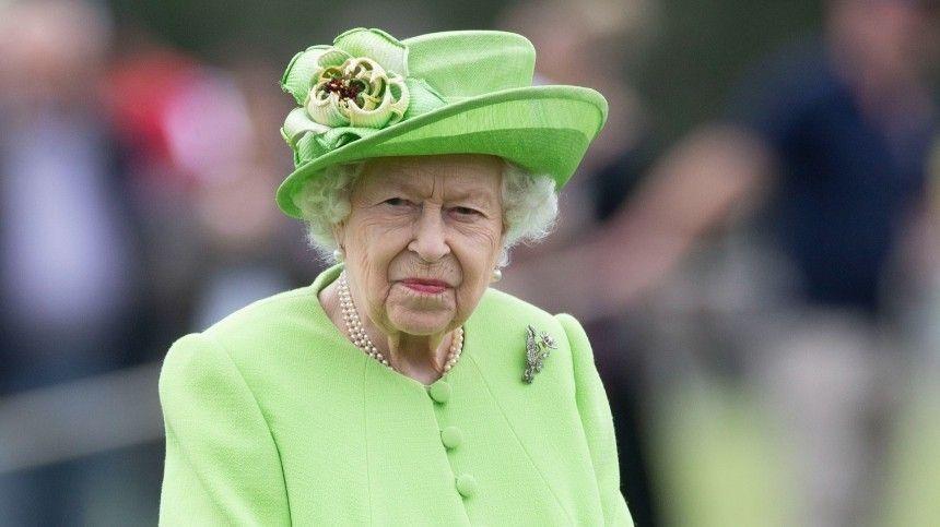 Елизавета II до сих пор таит обиду на принца Гарри после скандального интервью
