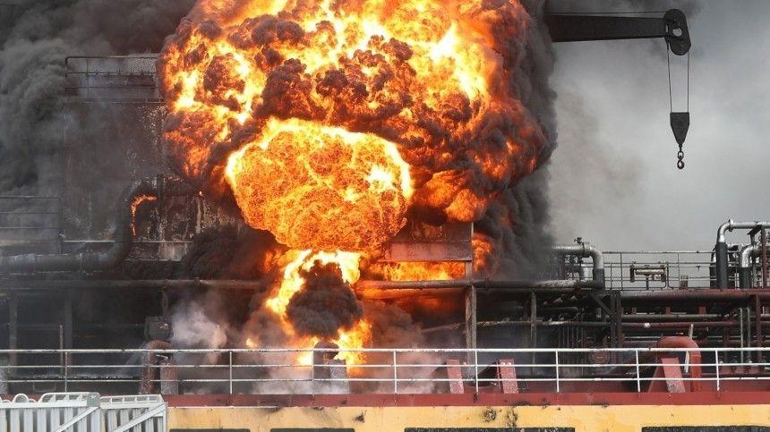 Взрыв прогремел на танкере в сирийском порту Латакия