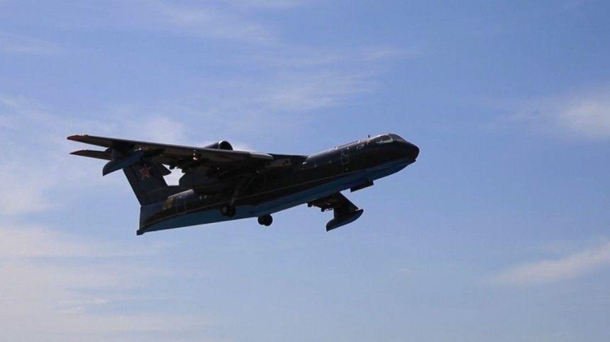 Поряду технических характеристик, самолет Бе-200 неимеет аналогов вмире. 14августа воздушное судно российских военных потерпело крушение вовремя тушения пожаров вТурции.
