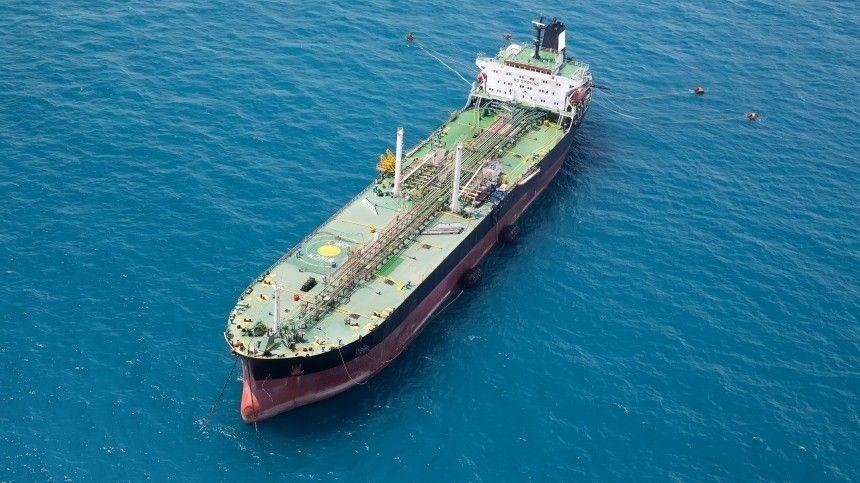 Президента Ливана призвали уйти в отставку после взрыва танкера