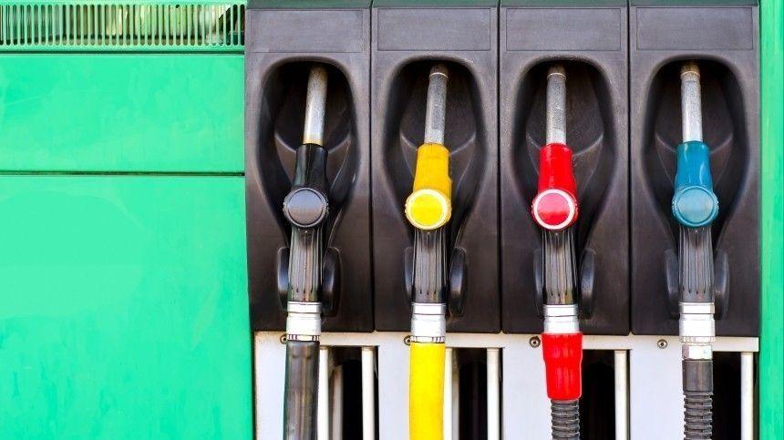 Руководитель аналитического центра Независимого топливного союза Григорий Баженов утверждает, что сейчас цена натопливо больше зависит отобъема предложения, чем отобъема спроса.