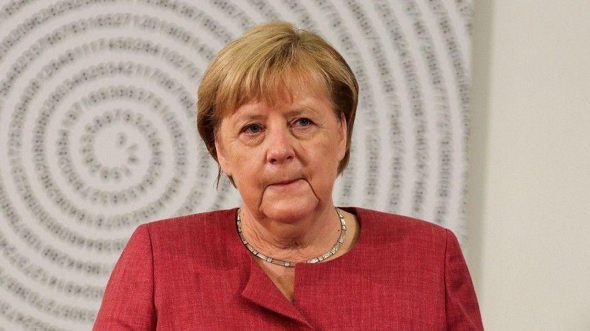 Политолог назвал визит Меркель в Россию ударом для Зеленского