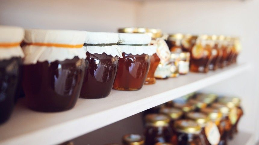 Как отличить подделку отнатурального продукта? Очем стоит спросить продавца меда перед покупкой?