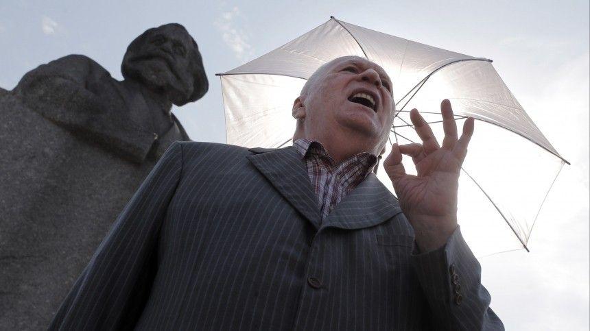 Жириновский зарегистрировался на электронное голосование и рассказал о его плюсах