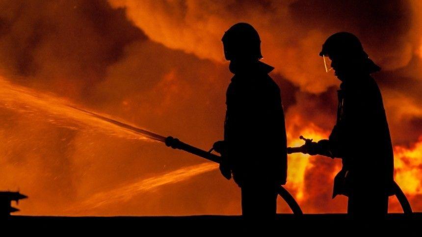 Появилось видео с места пожара в больнице Ярославля, где отключились ИВЛ
