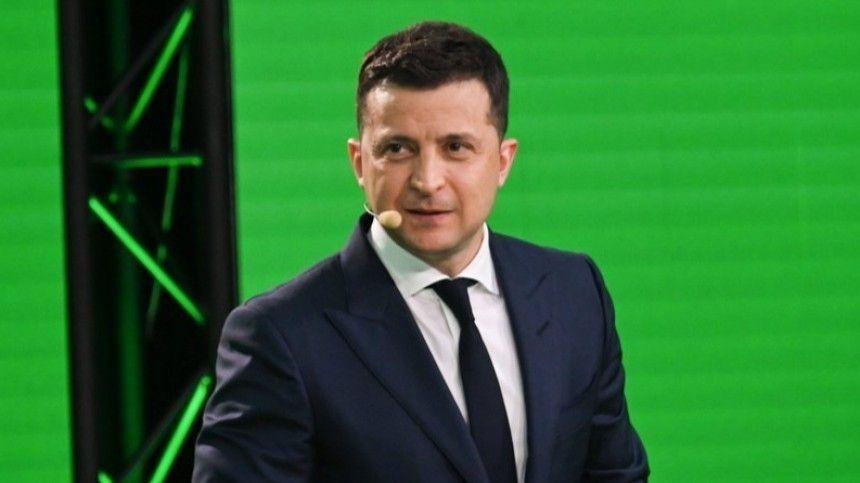 Руководитель украинского аналитического центра «Третий сектор» Андрей Золотарев считает, что США могут затребовать отУкраины ряд реформ.