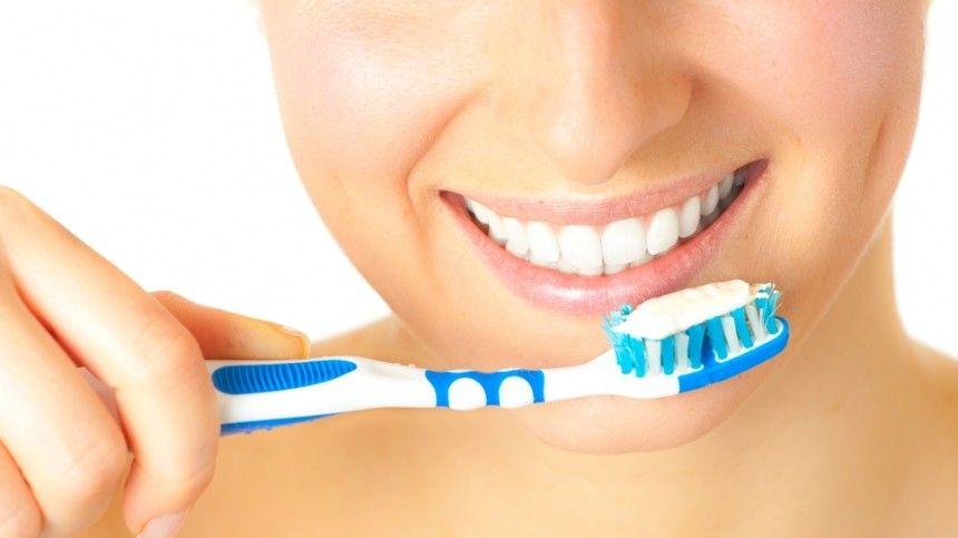 Чем уксус опасен для эмали? Как часто надо проводить профессиональную чистку зубов?