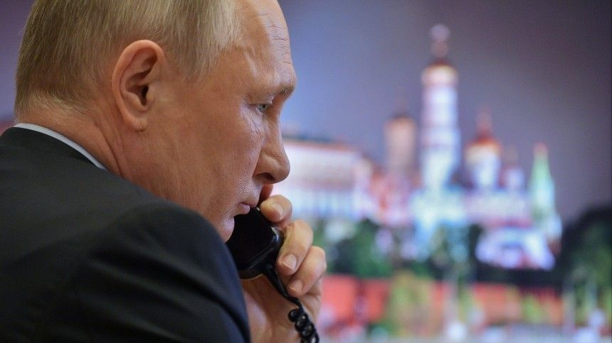 Президент России иглава Евросовета провели телефонный разговор. Онбыл содержательным ивесьма продолжительным.