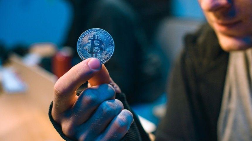 Власти несобираются идти наповоду усобственных граждан ипродолжают делать электронные деньги основой валютного фонда страны.