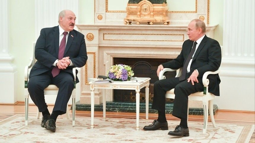 Поитогам беседы сбелорусским лидером президент России заявил, что переговоры сЛукашенко были насыщенными иконструктивными.