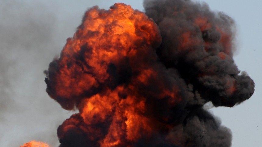 Подрывники провели целую спецоперацию, чтобы обрушить здание занесколько секунд.