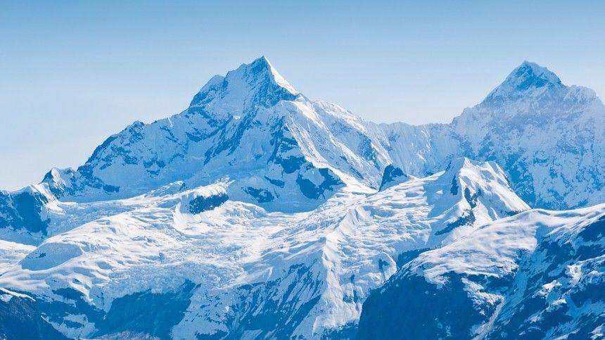 Стали известны подробности обрушения ледника на туристок в КЧР