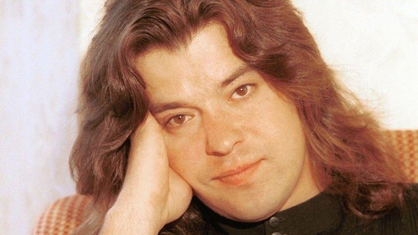 Поэт-песенник неверит, что звезду 90-х мог сгубить алкоголь.