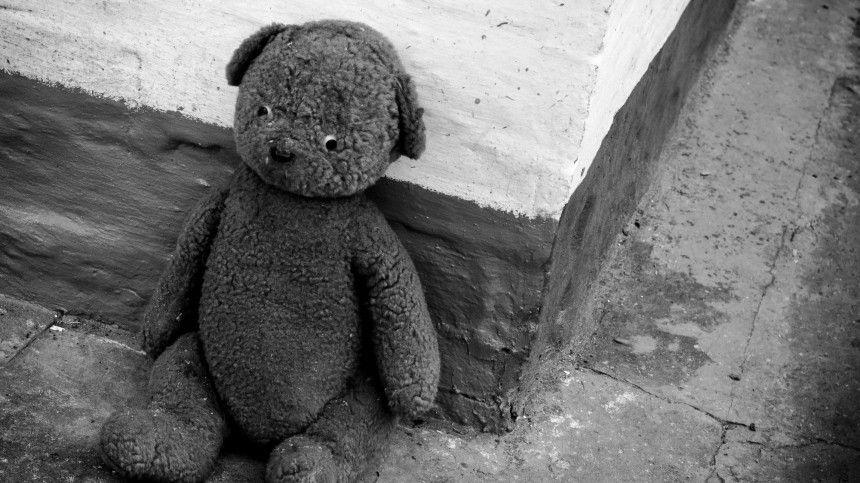15сентября тело пропавшей три месяца назад девятилетней девочки нашли вподвале многоквартирного дома вселе Казарь.