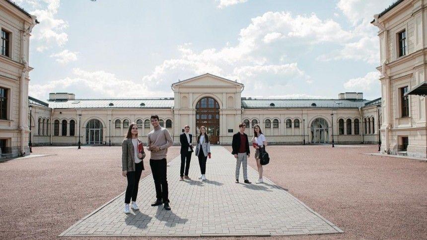 Натерритории дворцово-паркового комплекса «Михайловская дача» поселятся 600 человек.