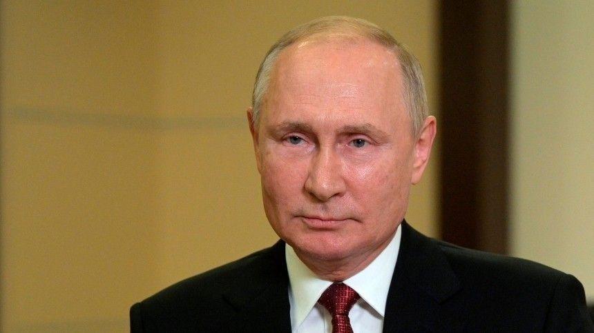 Пословам представителя Кремля Дмитрия Пескова, упрезидента России нет мобильного телефона.