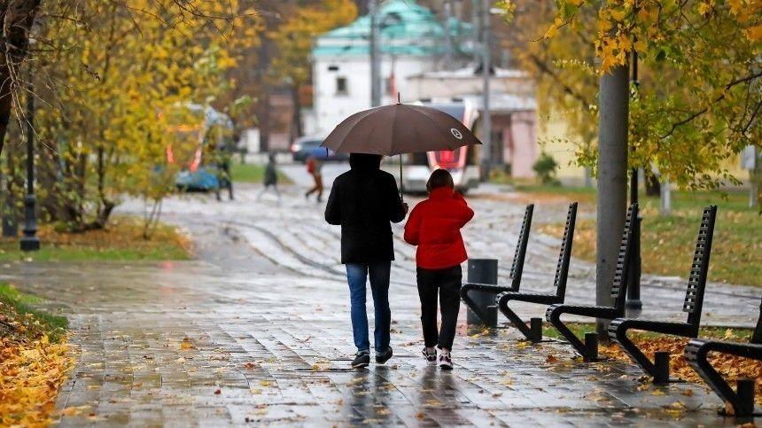 Научный руководитель ведомства Роман Вильфанд признал сограждан достать зонты иодеваться теплее вближайшиедни.