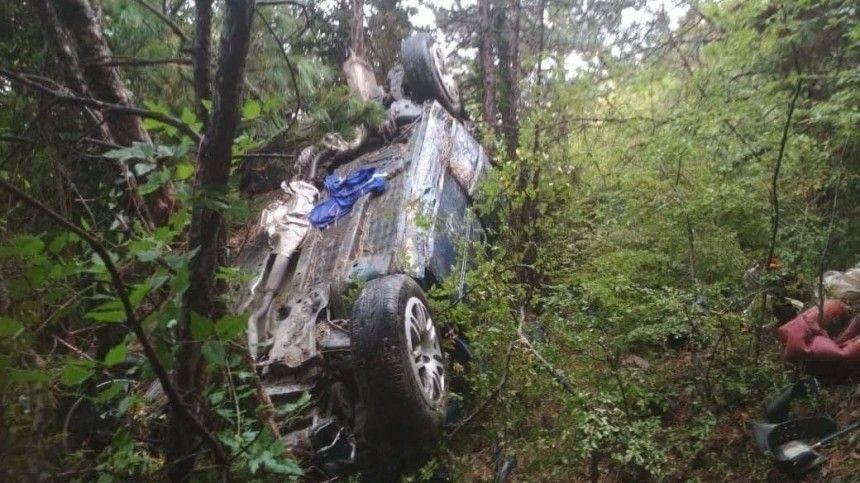 Попредварительным данным, вавтомобиле находилось четыре человека.
