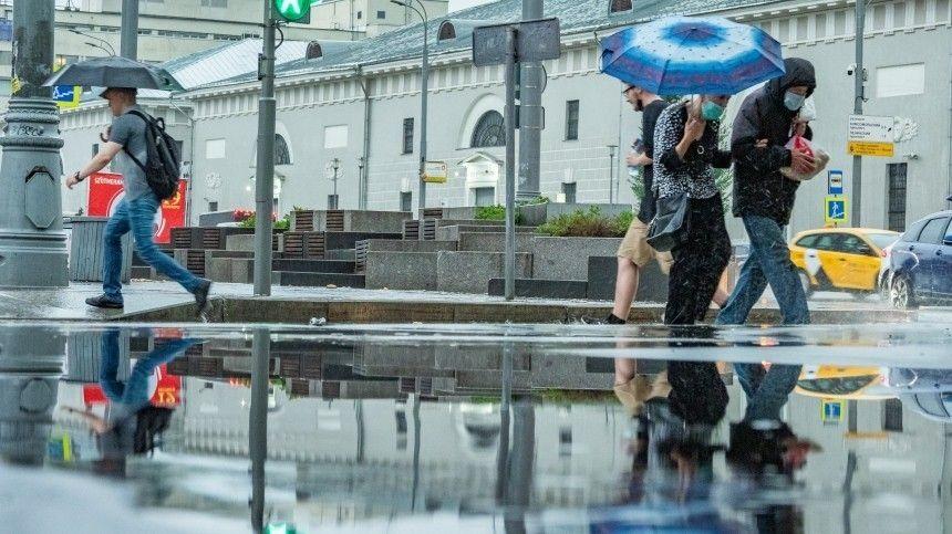 Метеоролог Евгений Тишковец неисключил, что столь мощных осадков москвичи невидели больше века.