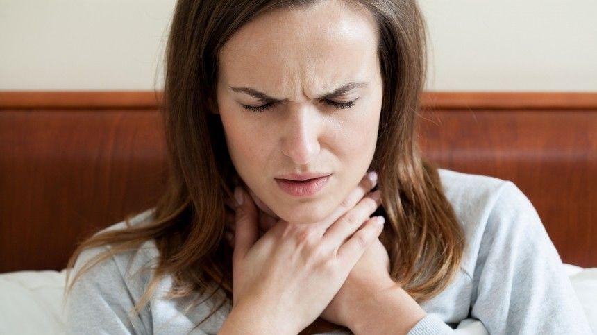 Врач-отоларинголог рассказала, что осиплость может быть вызвана нетолько простудой.