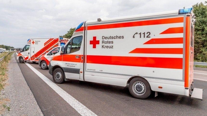 Вооруженный преступник взял заложников втуристическом автобусе вГермании