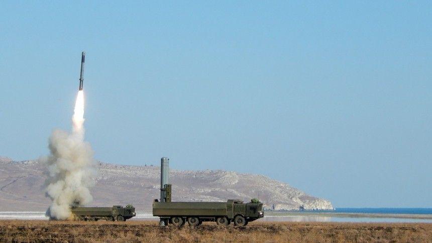 Совершавшие марш экипажи оперативно развернули боевые машины Черноморского флота ивыпустили ракеты. После этого импришлось экстренно покинуть позиции.