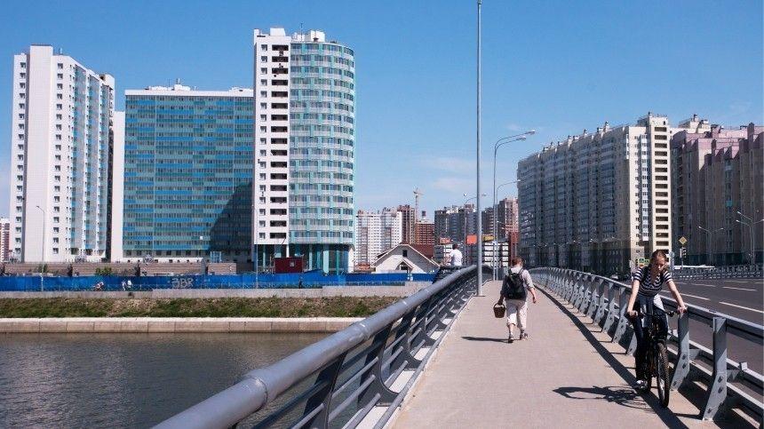 Жители Северной столицы винят вобмелении Дудергофского канала строительные компании. Еще летом понему катались накатерах иквадроциклах.