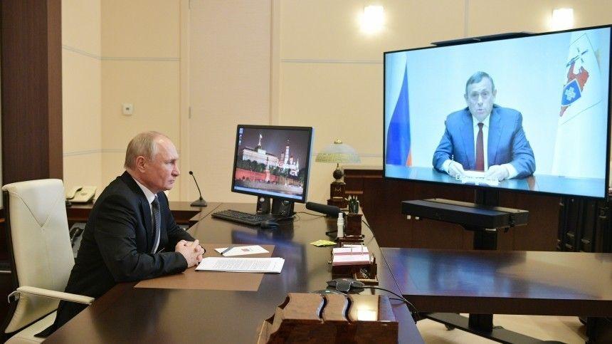 Глава государства провел рабочую встречу сруководителем республики Марий ЭлАлександром Евстифеевым.