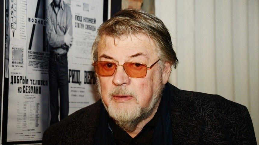 Народный артист РСФСР возглавлял его с2000 года после ухода Валентина Плучека.