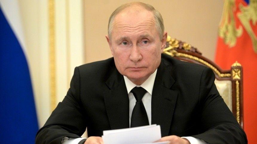 Праздновать победу «Единой России» еще рано, уверен президент— впереди долгая исложная работа порешению основных проблем страны.