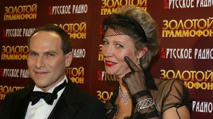 Звезда отечественного шоу-бизнеса призналась, что долго принимала психотропные лекарства, что повлияло наотношения бывших супругов.