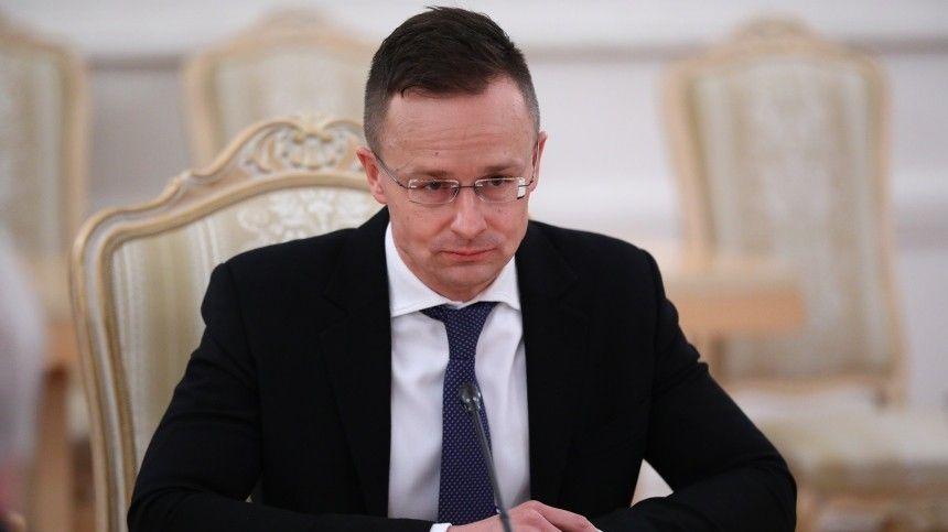 Входе разбирательств Незалежной поповоду подписания их«братской» страной контракта с«Газпромом», произошли неожиданные рокировки.