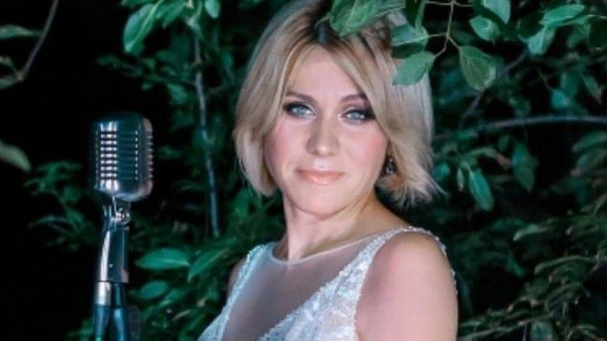 Галина Куваева пела визвестной питерской группировке вначале 2000-х.
