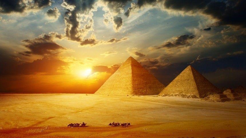Сообщается, что гробницы нашли недалеко отКаира. Мужчинам намомент смерти было около 25лет.