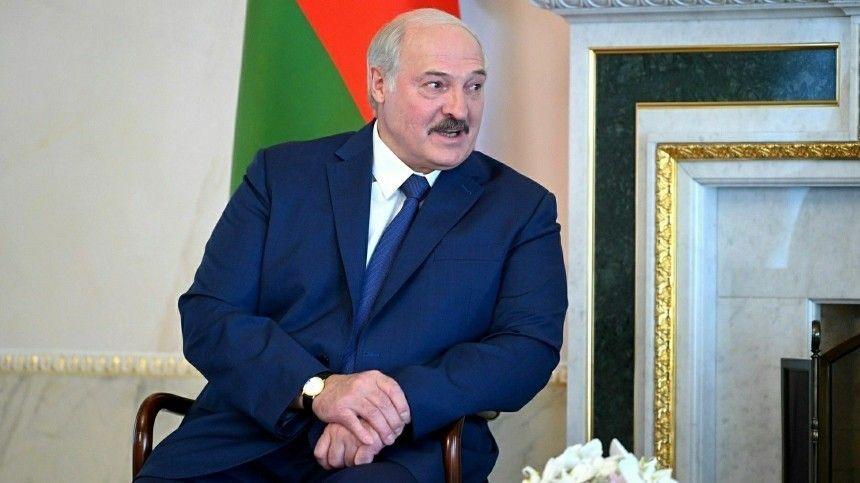 Лукашенко гарантировал безопасность пролета самолетов над Белоруссией