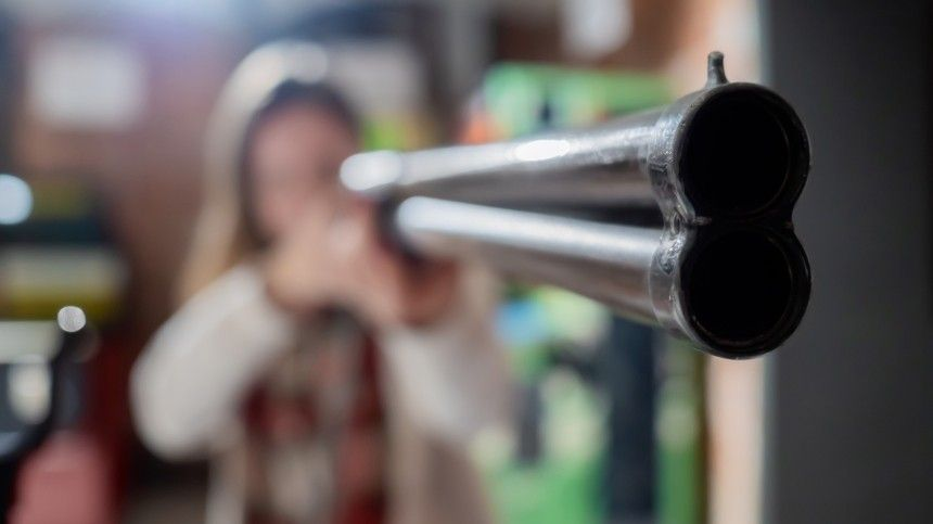 Что можно и нельзя делать, если в здание пришел вооруженный человек