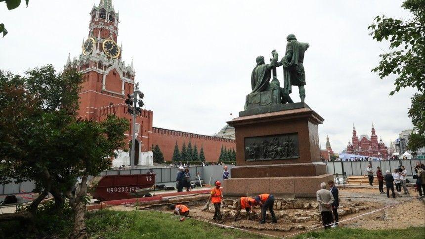 ВМоскве готовятся кмасштабной реконструкции одного изсимволов России— внутри монумента освободителям столицы обнаружили серьезные повреждения.