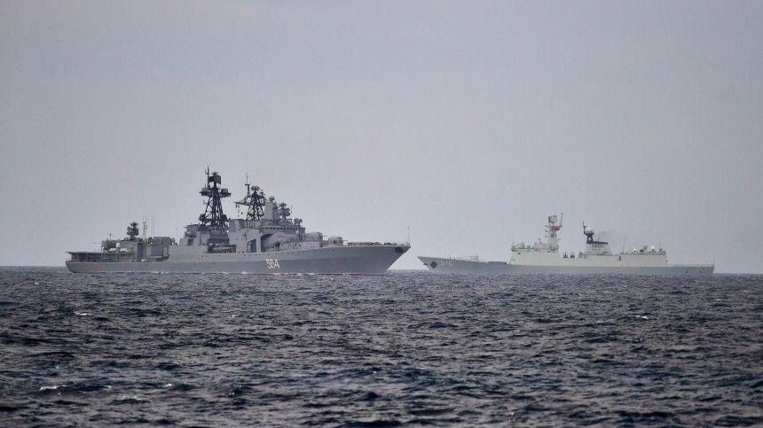 Масштабные учения Военно-морских сил двух сверхдержав вблизи территории Японии неостались незамеченными обычными обывателями иони забили тревогу.