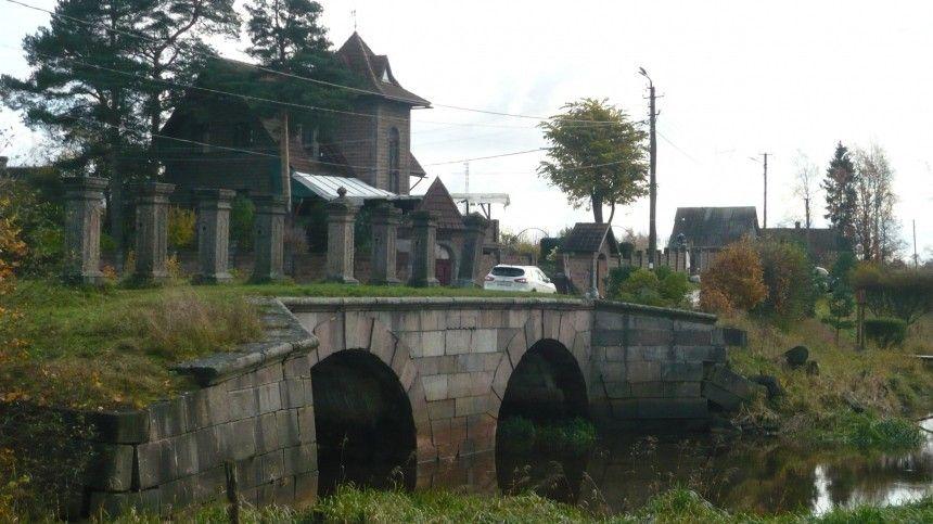 Мост вШлиссельбурге пережил неодну войну ипочти три сотни зим, ноуничтожить его грозит банальный ремонт дороги.