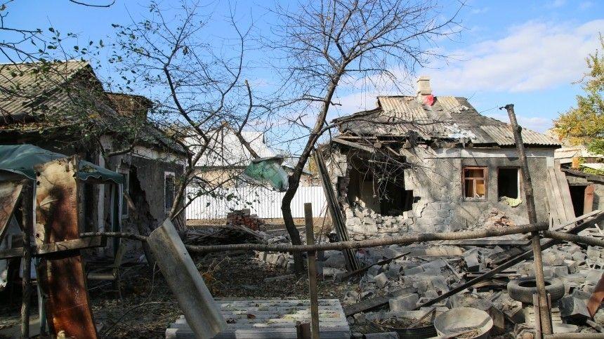 Помимо двух пострадавших, вДНР сгорели несколько частных домов, повреждены газопровод идругие объекты.